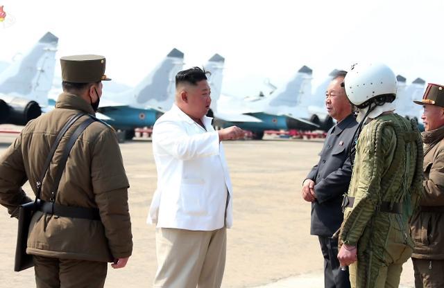 [WHO] 北 김정은 첫 공식직책인 '중앙군사위 부위원장' 꿰찬 리병철