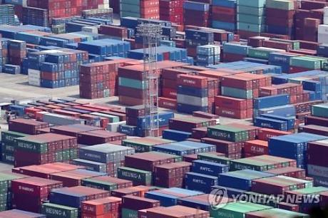 4월 수출물량 12.6%↓…금융위기 이후 최대폭 감소