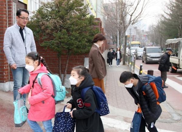 인천시교육청, 고2, 중3, 초1~2, 유치원, 특수학교 14만여 명 5월27일  등교