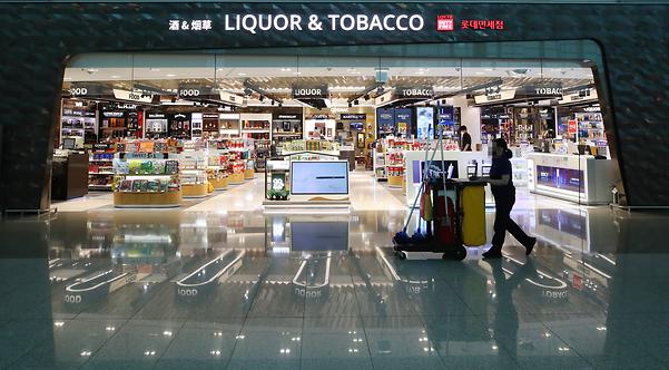 游客不来免税店遭重创 中国代购成救命稻草