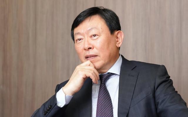 두산솔루스 매각 성패, 'M&A달인' 신동빈 회장 心에 달렸다