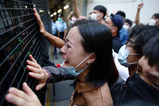 英 홍콩보안법 논란 뛰어들어…홍콩 주민 290만명에 시민권 부여 검토
