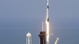 SpaceX đã làm nên lịch sử khi đưa 2 nhà du hành vũ trụ lên trạm vũ trụ ISS thành công