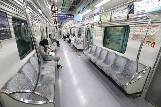 调查:疫情致首都圈地铁乘客减少三成