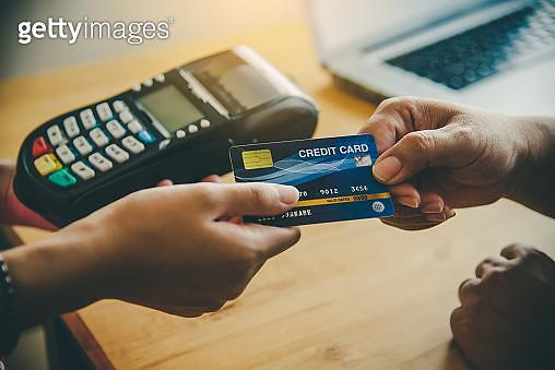 카드사 주말대출로 '일수 대출' 사라질까…적은 한도에 실효성은 의문