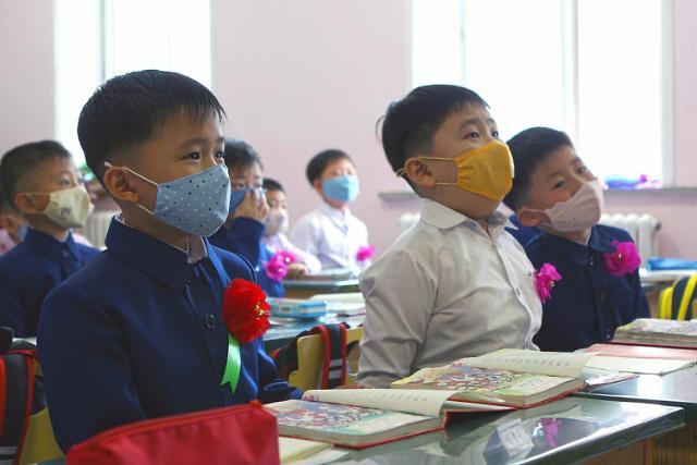 朝鲜小朋友开学啦