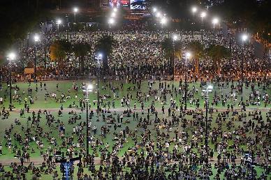 당국 금지에도 톈안먼 추모 촛불밝힌 홍콩인들