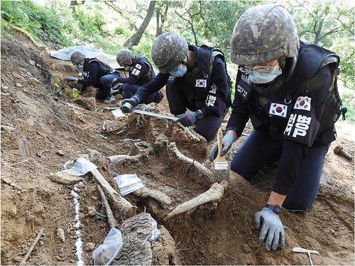 [김정래의 소원수리] 北, 남북연락사무소 폭파하는데... 정경두, 장병 철모·방탄복 입혀 유해발굴 보내야 하나