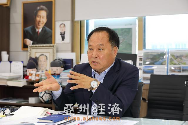 杨平郡守郑东均:致力打造自然人和的城市