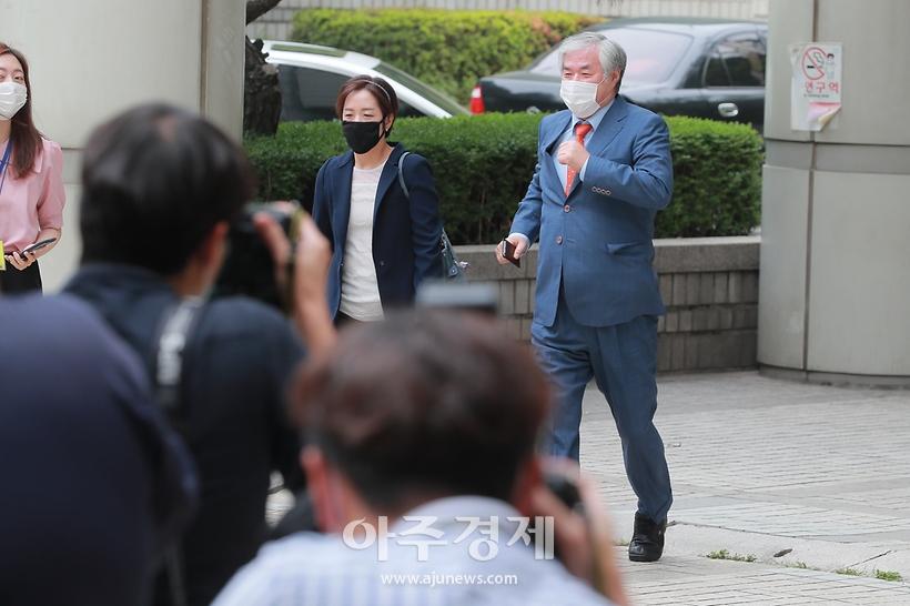'공직선거법 위반' 전광훈 목사, 석방 후 첫 출석