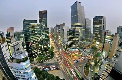 不断膨胀的首都圈 人口首超全国人口半数
