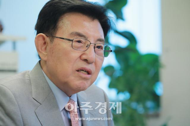 """[인터뷰 와이드] 김덕룡 """"美네오콘 볼턴, 한반도 전문가 아냐…지금이라도 남북 정상 만나라"""""""