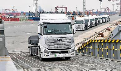 현대차 세계 최초 수소전기 대형트럭 스위스서 달린다