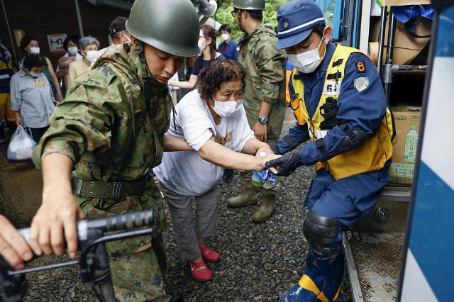 [포토] 폭우 속에 절규하는 일본 규슈