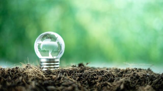 [석유의 미래]신재생 속도 내는 석화업계...친환경 사업 투자 박차