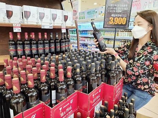 """22元超低价红酒被""""疯抢""""  乐天玛特日均售出1万瓶"""