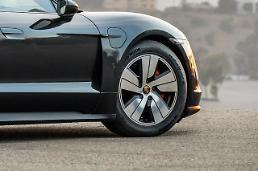 ポルシェ初の電気スポーツカー「Taycan」、ハンコックタイヤで走る