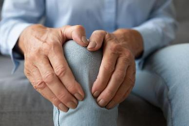 장마철 증가하는 무릎 통증, 관절통 완화 방법은?