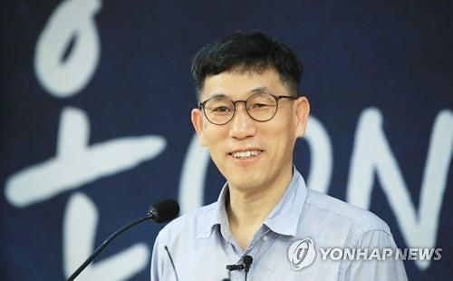 [말말말] 홍준표 채홍사 SNS글에 진중권, 선데이서울 너무 보셨다 비판