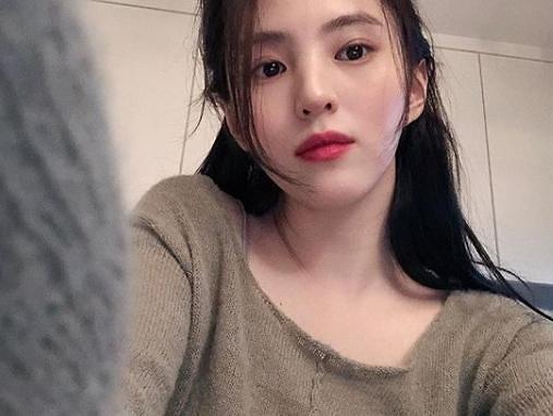 """한소희 성형 의혹에 엄마 언급 """"똑닮은 자연 미인""""…콤플렉스가?"""