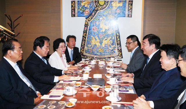 """백군기 용인시장 """"한국·중국 기업 교류 활로를 여는데 적극 지원을"""""""