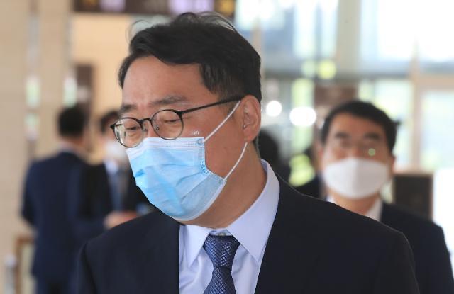 """""""가짜뉴스엔 징벌적 손해배상 3배까지""""…일각선 """"언론자유 위축"""""""