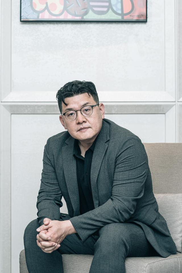 """[인터뷰] 강철비2 양우석 감독 """"남북 배우 맞바꾸기…현실 상징"""""""
