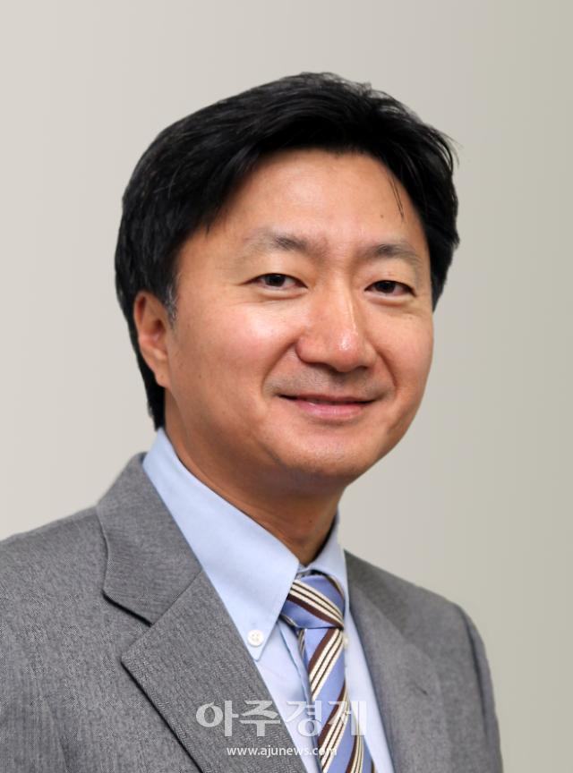 [CEO 메디칼 인사이트] 최호진 동아제약 대표, 밝고 경쾌하게 변신 급물살