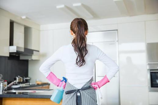 韩居民时间安排报告出炉 女性做家务时间达男性4倍