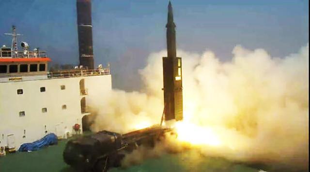 현무4 개발 성공... 북한 핵시설, 지하 100m에 있어도 타격 가능