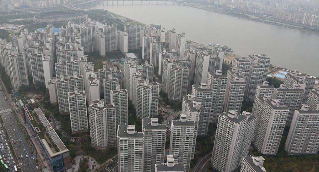 국내 재산·소득 없는 외국인, 아파트 42채 사들였다