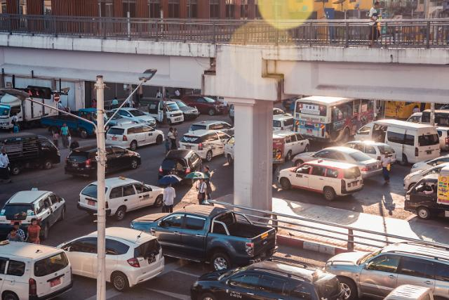 [NNA] 미얀마 정부, 차량 관세율 인하... 코로나 타개책