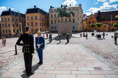 [스웨덴의 교훈] ① 집단면역 실험은 아니었다… 고위험자 보호에 실패