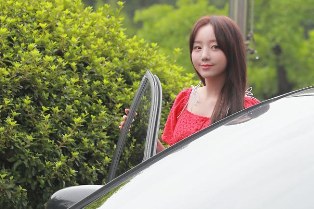 [슬라이드 화보] 러블리즈 케이, 수줍게 등장 (퀴즈 위의 아이돌)