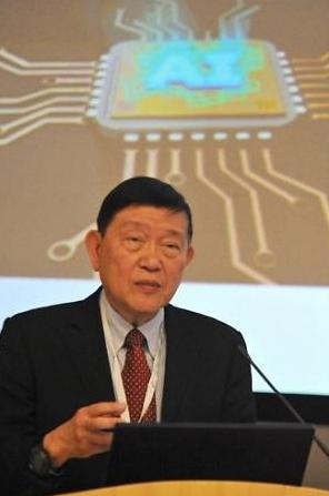중국 반도체 대부 미국 반도체 충분히 따라잡는다