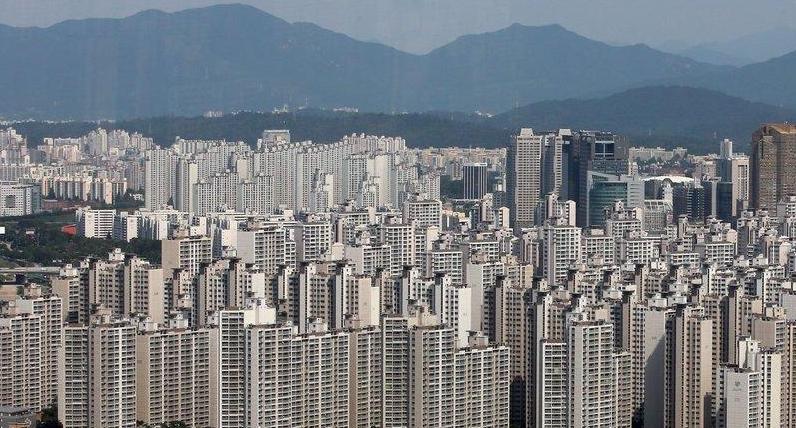 부동산 규제 강화...경매 평균 응찰자수 1년6개월만에 최저치
