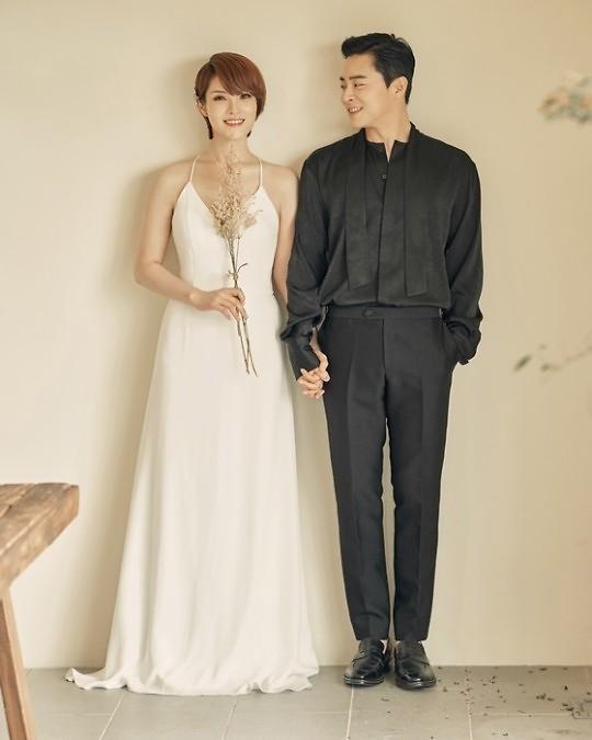 俳優チョ・ジョンソク&歌手GUMMYの第1子女児誕生