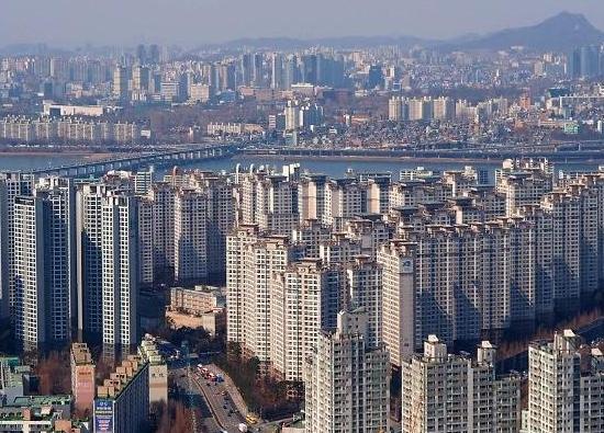 OECD, 올해 한국 성장률 1위 전망...시중 유동성, 부동산 유입 경계