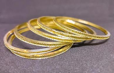 인도·중국 다시 금 귀걸이 산다…연내 금값 상승 힘 보태