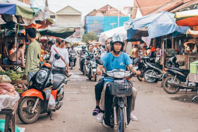[NNA] 캄보디아 상반기 수입 차량 41만대, 금액은 6.3억달러
