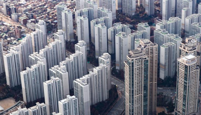 서울 아파트 평균가 10억원 돌파…강남3구·마용성에 광진구 가세