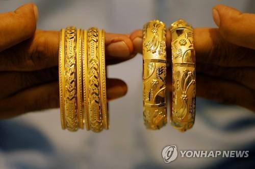 금값 장중 한 때 1900선 붕괴...고공행진 급제동