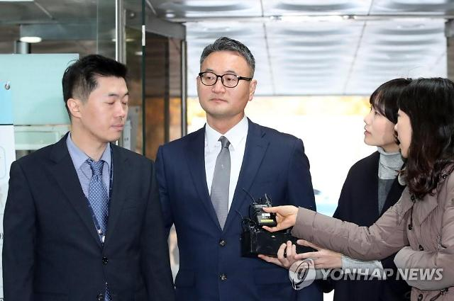 """군납업체 뇌물 혐의 이동호 """"남재준에 돈 줬다""""... 항소심서 증인 신청"""