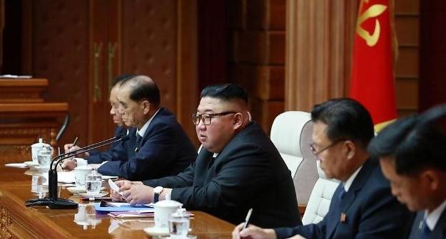 金正恩任命金德训为朝鲜内阁总理