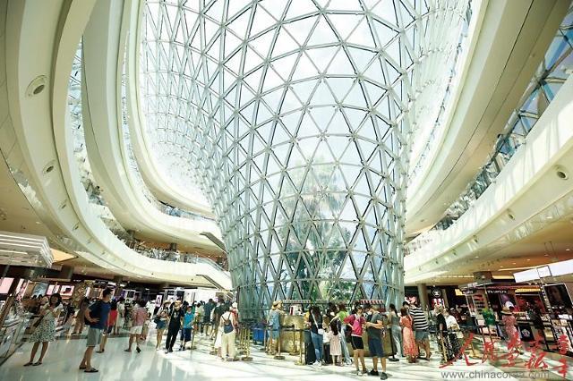 [인민화보]이도면세 쇼핑,  하이난에 새로운 활력을 불어넣다
