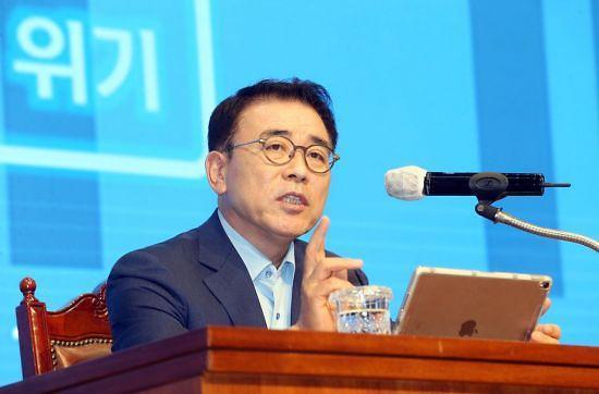 신한금융, 두산 네오플럭스 730억원에 인수…독립 전문 VC 품는다
