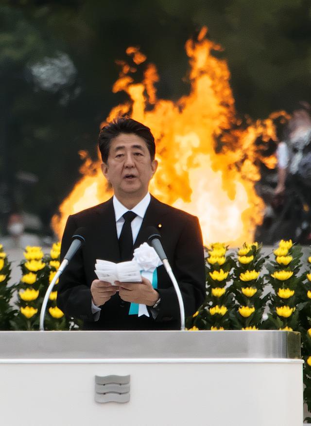 """[아베 팩트체크] ①""""아베 총리가 암에 걸렸다?"""" 소문은 어디서, 어떻게 온 걸까?"""