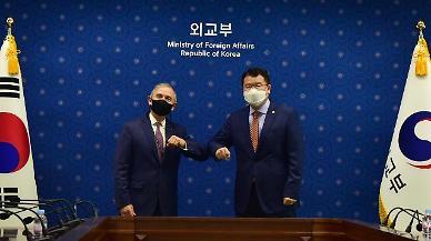 해리스 美대사 만난 최종건...한·미 협력 확대해나가자(종합)