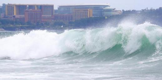 各地渔船归港避台风