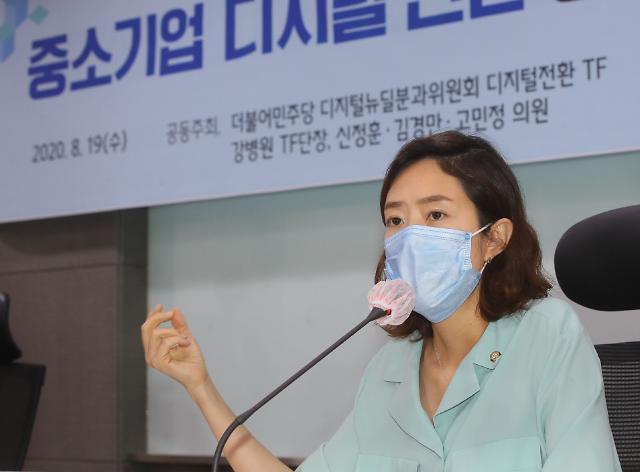 '文 간호사 격려 SNS 글' 여진 지속…'대필 논란'으로 확산